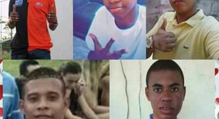Imagem: Amigos estavam no veículo metralhado. Da esquerda para a direita, Cleiton, Roberto e Carlos (acima) e Wesley e Wilton / Foto: Reprodução do Facebook