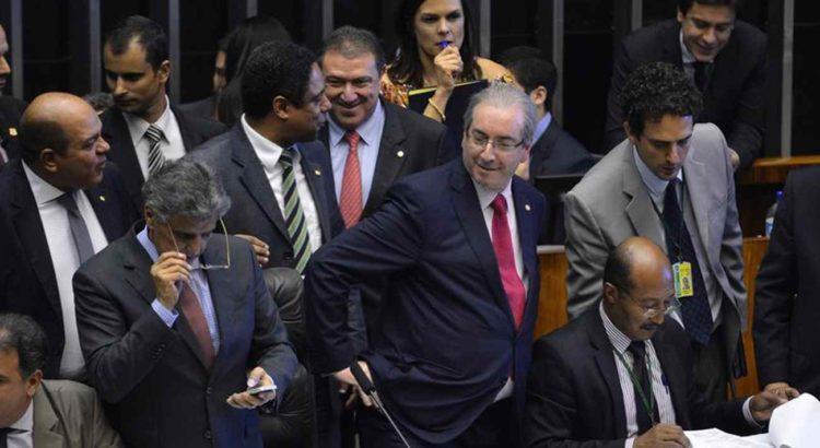 Brasília - Presidente da Câmara, Eduardo Cunha, durante sessão para votação dos integrantes da comissão especial destinada a dar parecer sobre o pedido de impeachment da presidente Dilma (Wilson Dias/Agência Brasil)