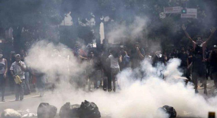 Estudantes protestam em São Paulo na última sexta-feira. / MIGUEL SCHINCARIOL (AFP)
