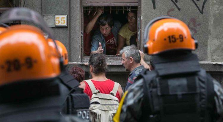 Grupo que ocupou a casa do estudante, na rua Riachuelo, no fim de semana |Foto: Guilherme Santos/Sul21