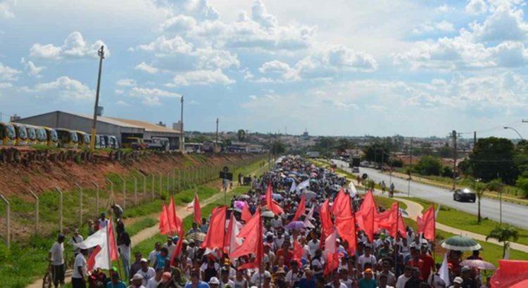 Ato de moradores da Vila Soma reuniu 2 mil em fevereiro, segundo organização. Foto: Arthur Menicucci / G1